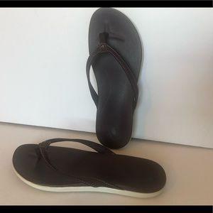 Olukai Leather Sandals a Flip flops Brown Women